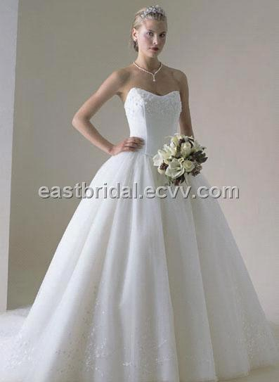sweetheart wedding dress. Elegant Sweetheart Neckline