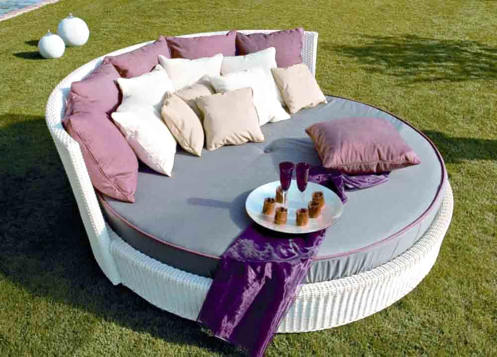 Outdoor Rattan Daybed PR ORF Hong Kong Rattan