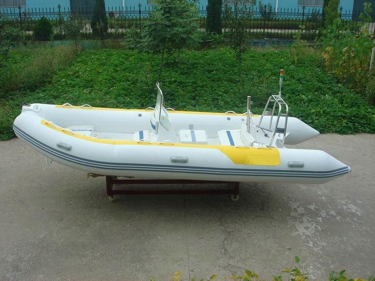 Inflatable Boat: Hypalon Inflatable Boat