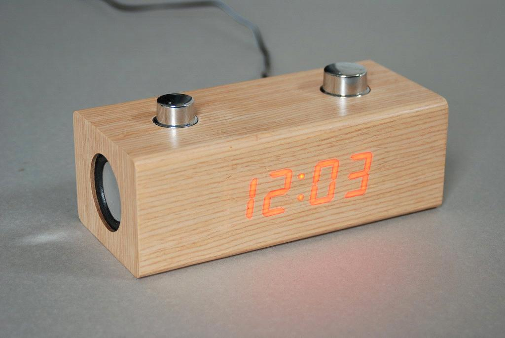 Wooden Fm Radio With Clock Purchasing Souring Agent