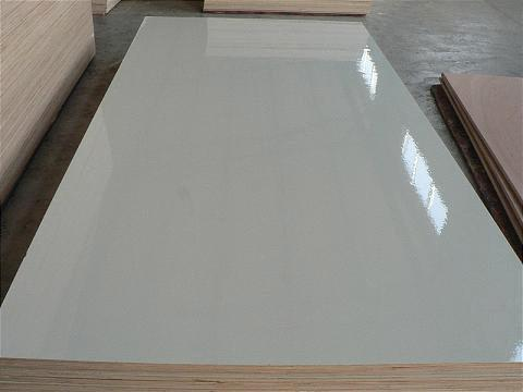 Gloss plywood