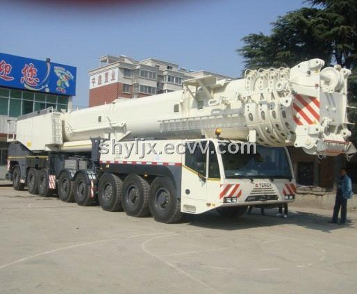 The Hydraulic Crane Is Used To Lift The 1400 : Ton mobile crane truck terrain quotes