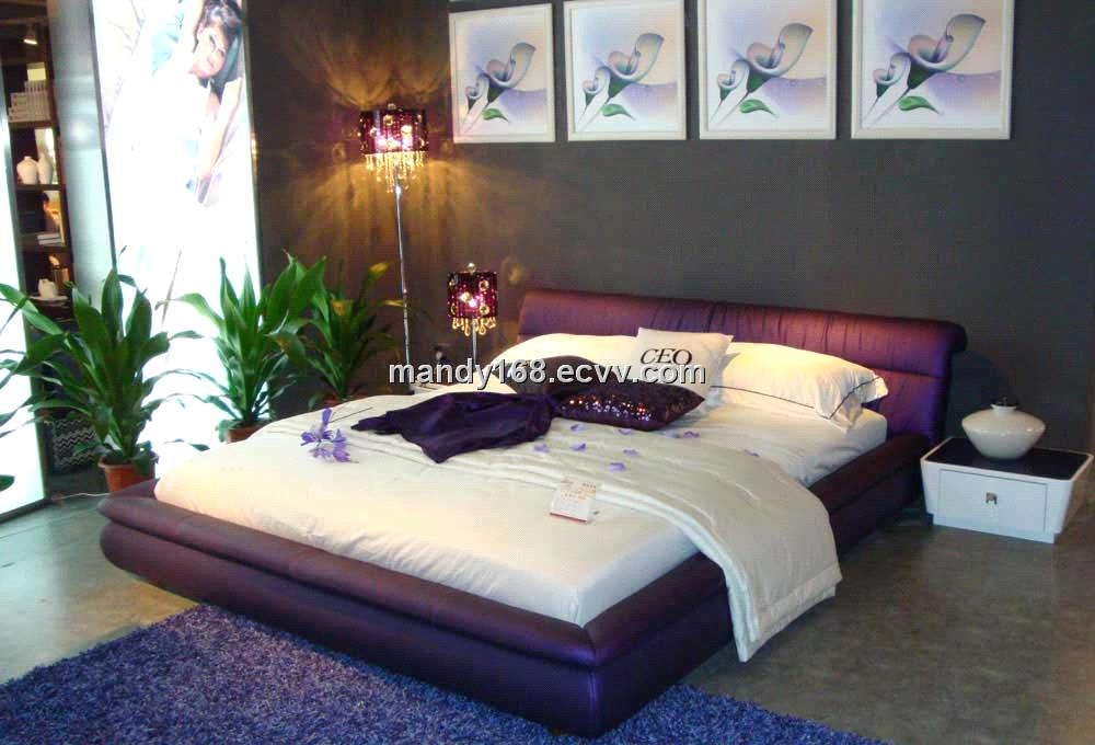 Leather Bed G058