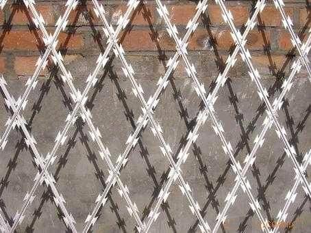 Welded Razor Mesh Fence Purchasing Souring Agent Ecvv