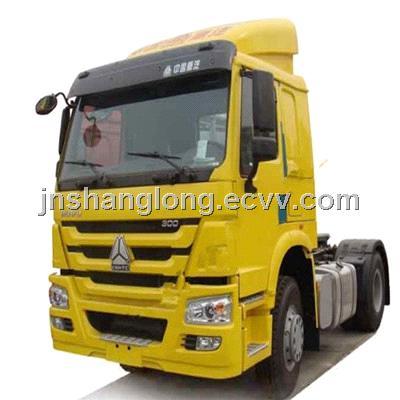 4x2  HOWO Truck Tractor Head