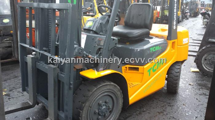 Used Forklift TCM FD30T6 Ready for Work