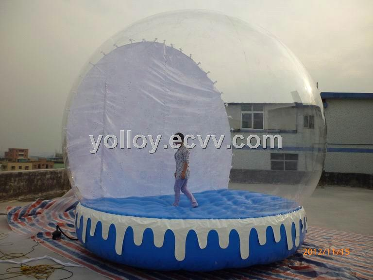 Outdoor christmas decoration human inflatable snow globe for Outdoor christmas globes