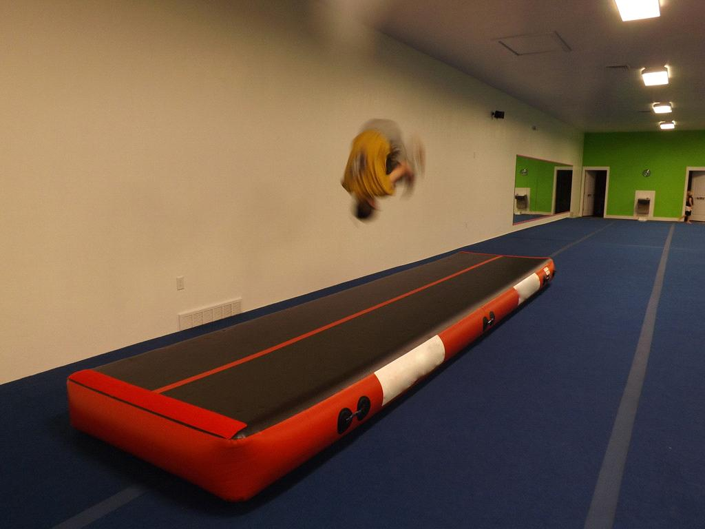 Tumbling Air Floor Inflatable Tumble Track Air Track