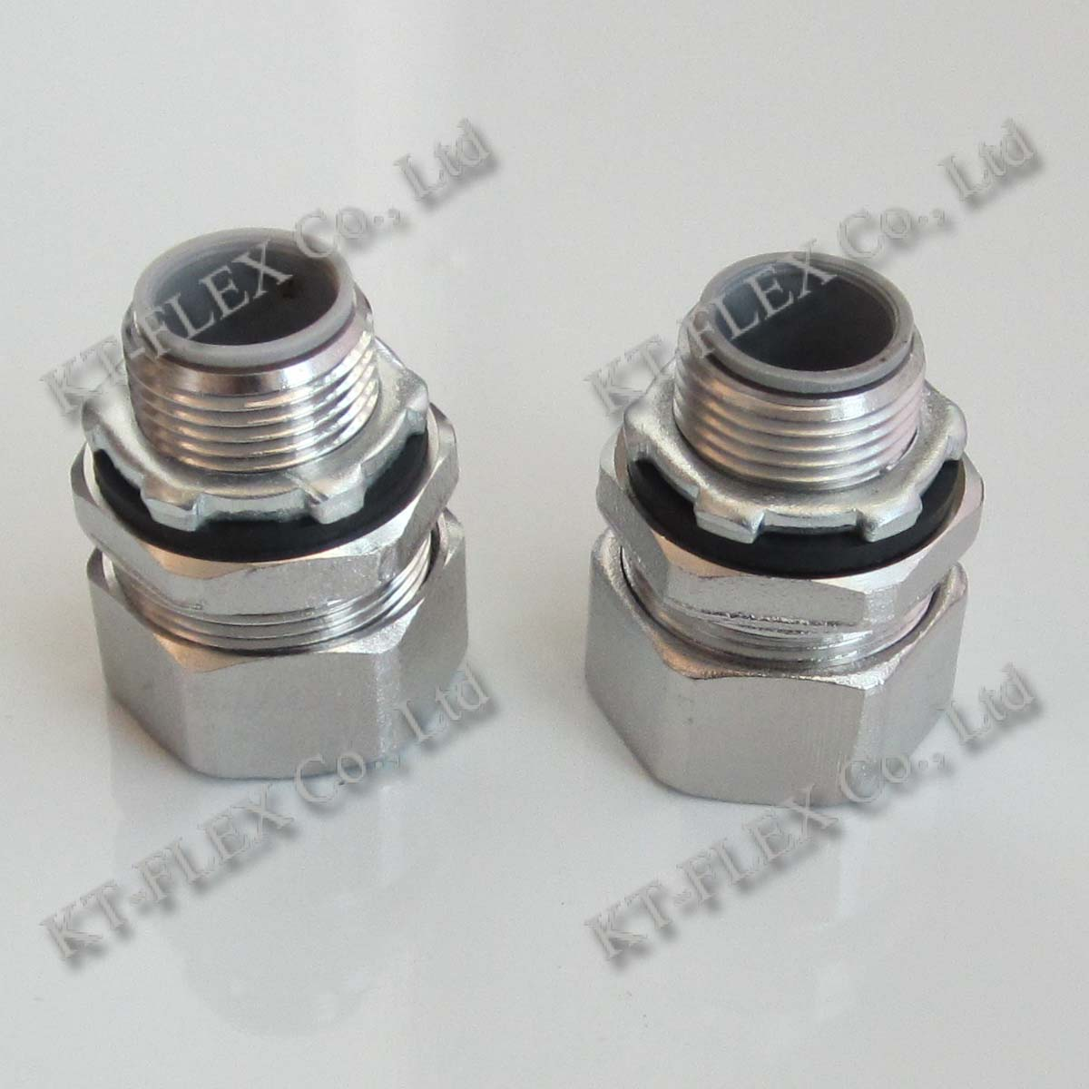 Stainless steel liquid tight connector straight flex
