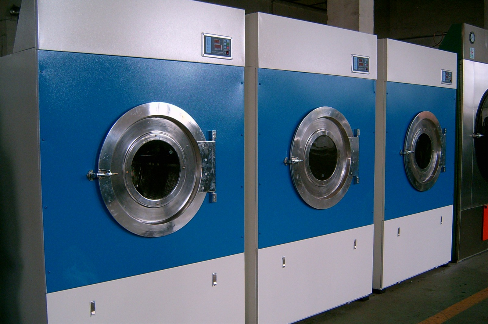 Industrial Clothes Dryer ~ Commercial tumble dryer machine for laundry clothes