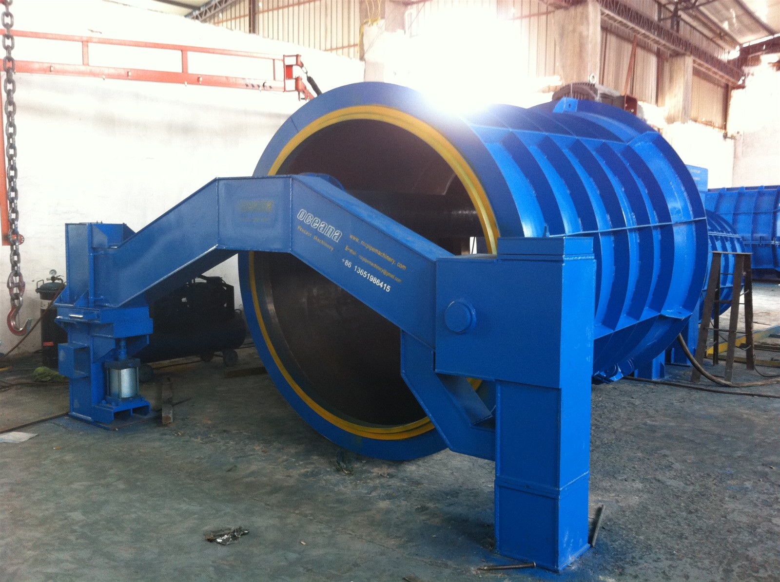 China Roller Hanging Type Concrete Pipe Machine