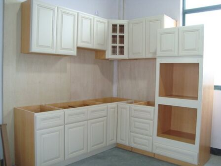 White Solid Wood Kitchen Cabinet