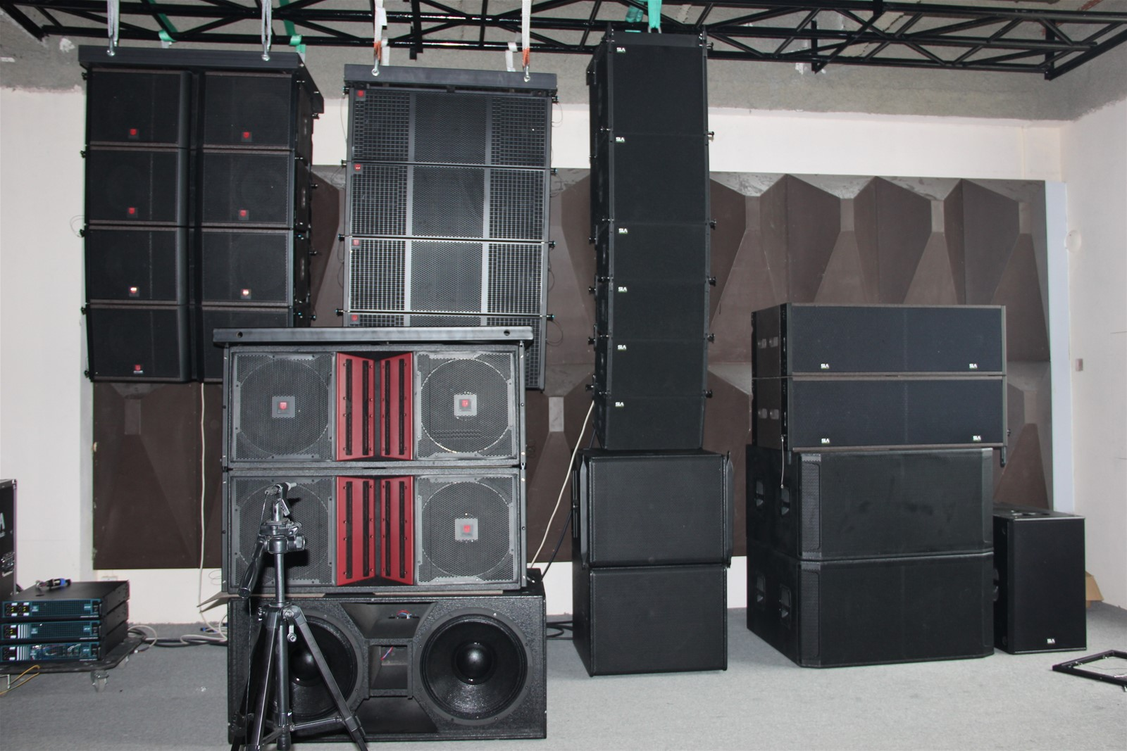 China Musical Instrument Stage Line Array Speakers+concert ...