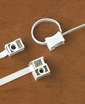 Saddle mounting nylon cable tie