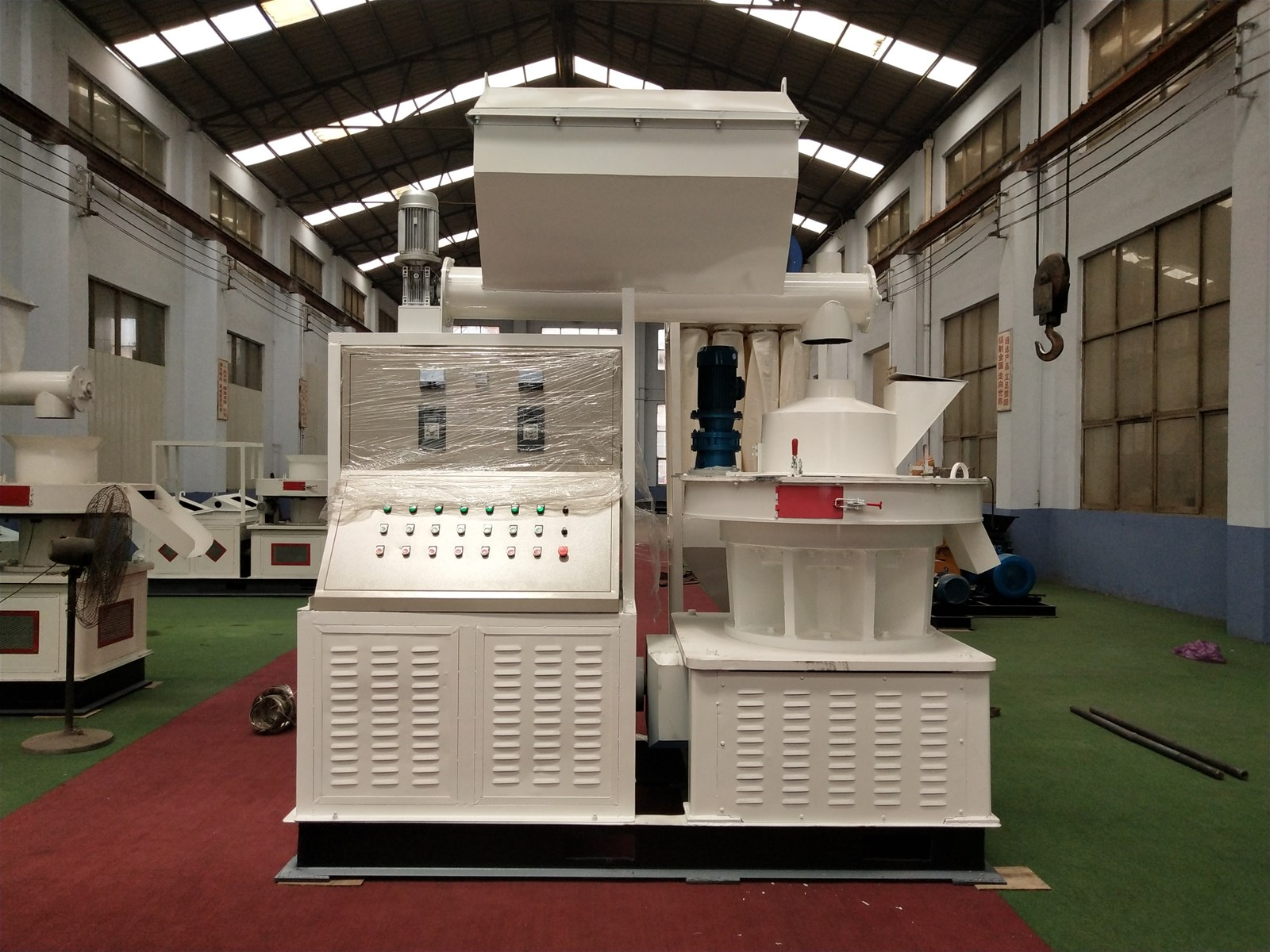 New design sawdust pellet production line 8mm wood pellet making machine