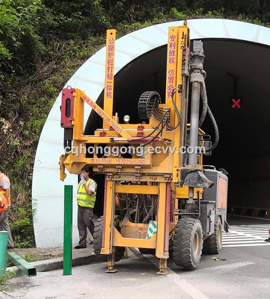 Highway guardrail pile driver hydraulic pile driver roadway safty barriers installation machine