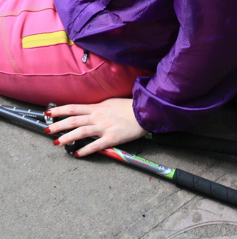 PIONEER 99 Carbon Fiber Adjustable Walking Sticks 2Pcs set Lightweight EVA Handle Retractable Hiking Pole Green Set