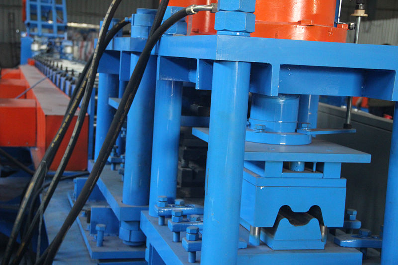 China guard rail roll forming machine manufacturers for highway fence