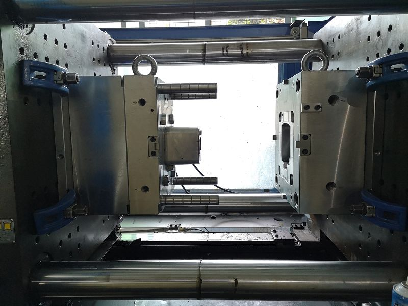 Shenzhen China Stainless Steel Plastic Injection Mould Mold Factory