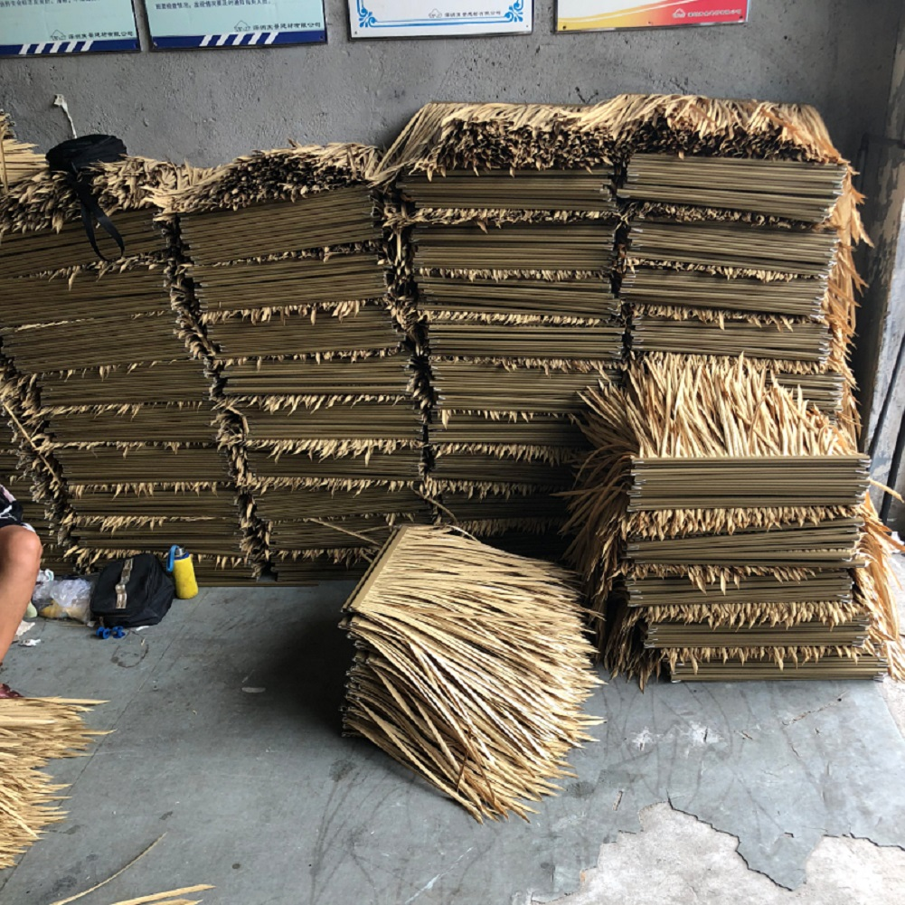 Wholesale Artificial Thatch Roofs Cover Outdoor Simulation Thatched Seaside Park Leisure Park Hotel Chalet Decorate