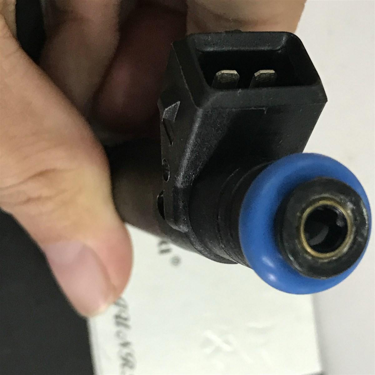 Injecteur pour Renault R9 R19 ClioKango K7J Enjektor 8200128961