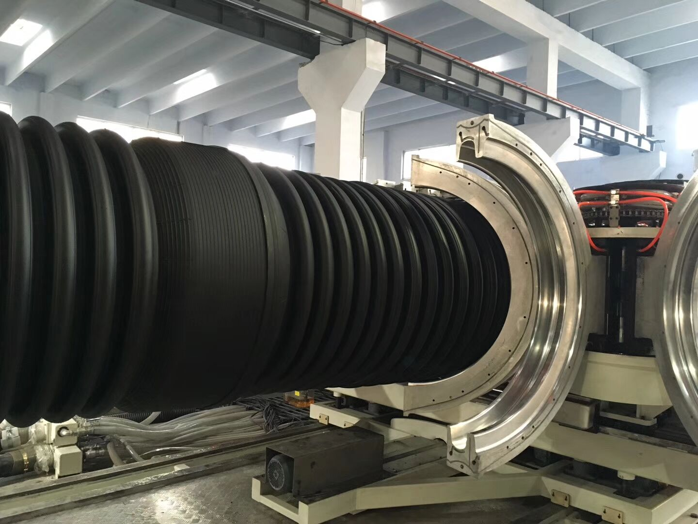 Double Wall Pipe ExtruderDouble Wall Corrugated Pipe Extrusion LineSBG600