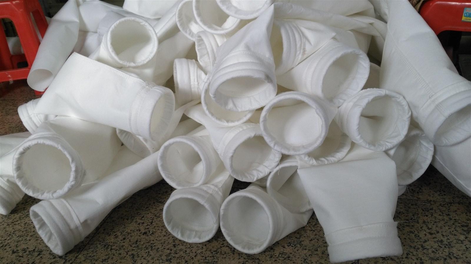 Dedusting filter bag used for power plant