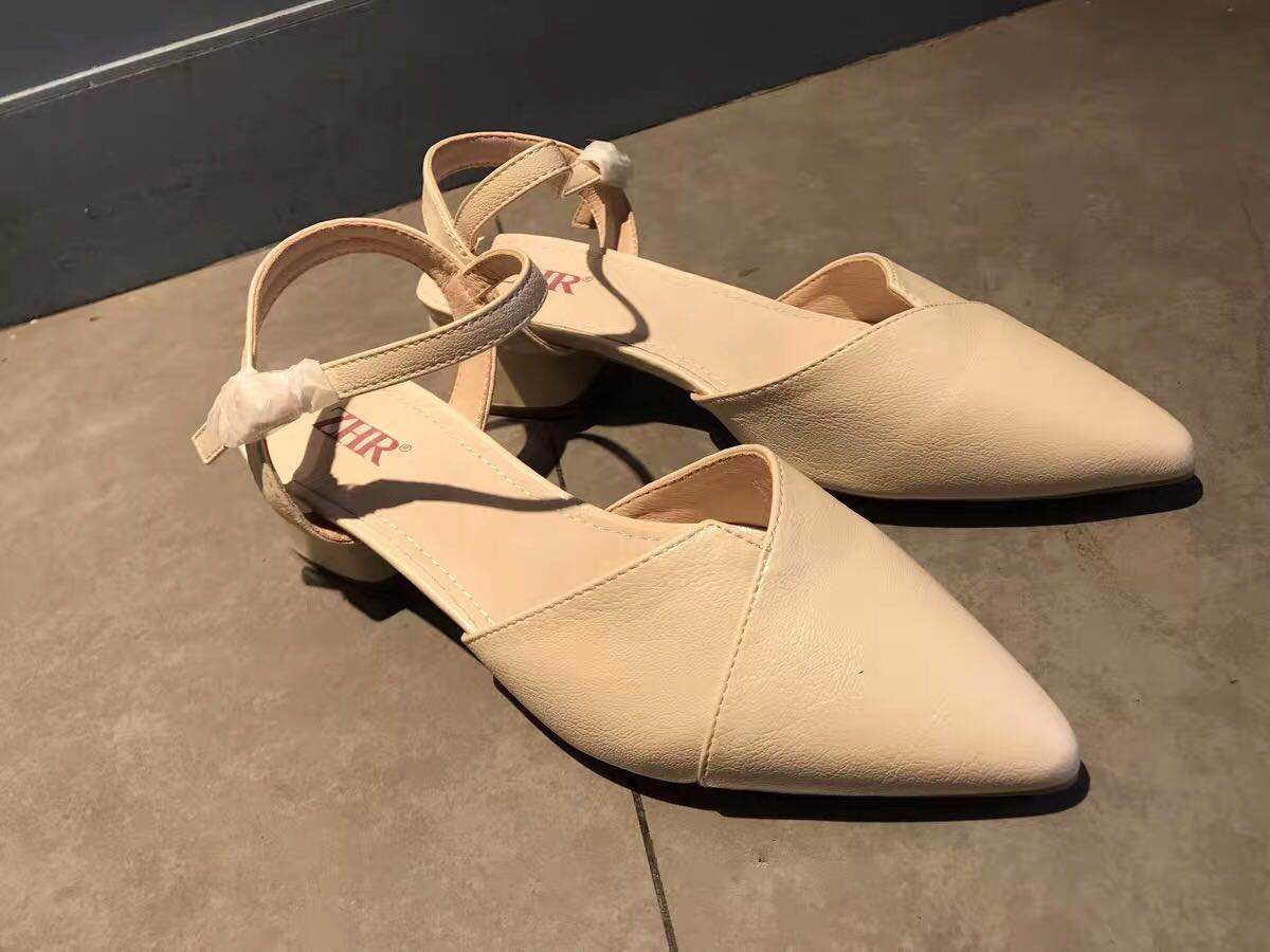 2019 New summer Baotou sandals female fairy wind with one heel pointed woman thick heel high heeled shoes high heels