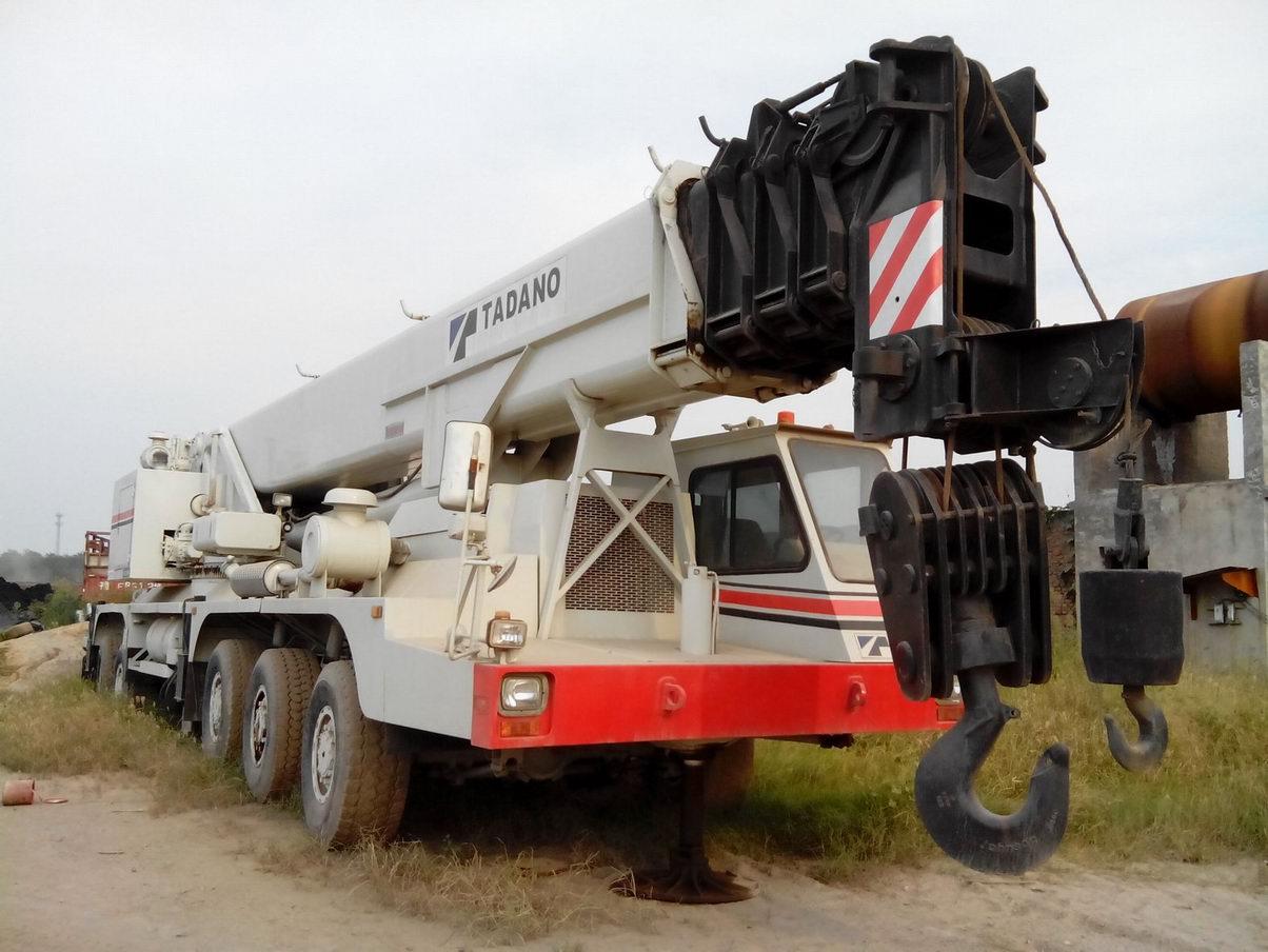 tadano AR1600M 160 Ton All Terrain Crane truck mobile crane