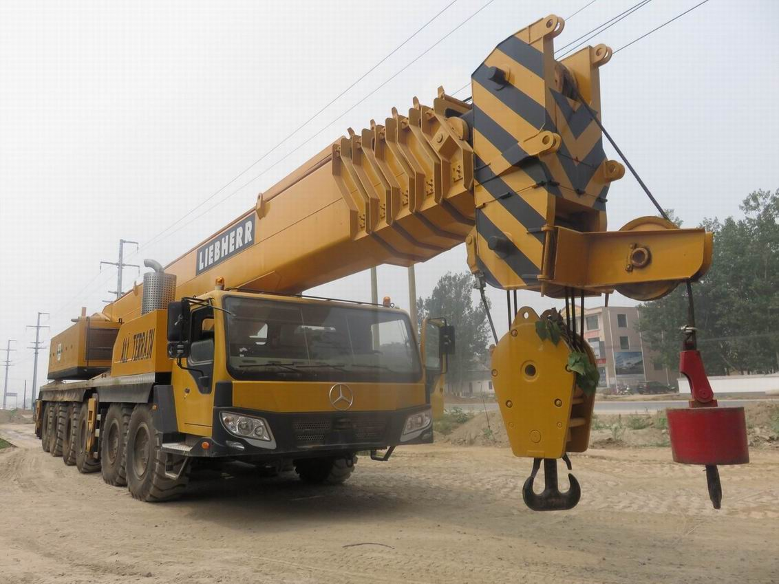 LIEBHERR 250T LTM 125061 all terrain mobile crane