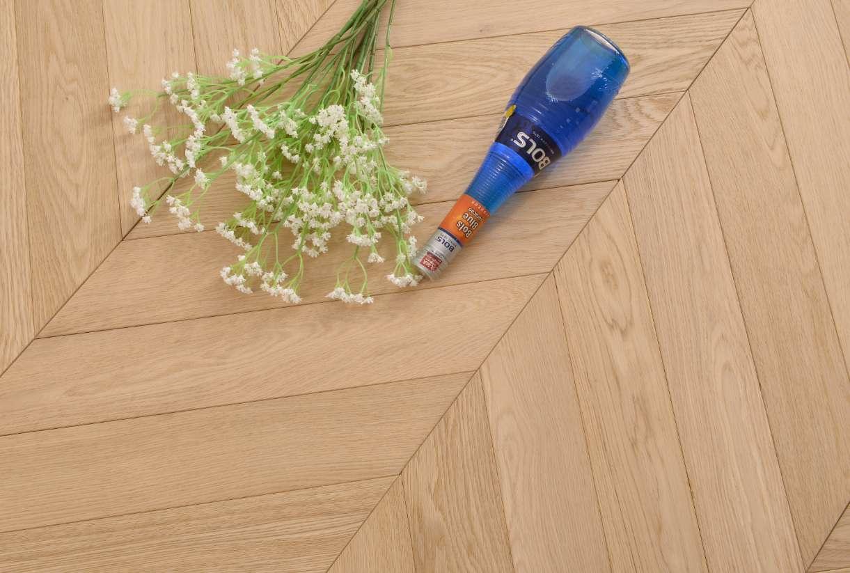 OakOiled Chevron Engineered Wood Flooring