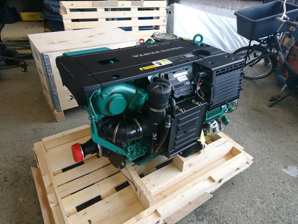 volvo penta inboard diesel engine
