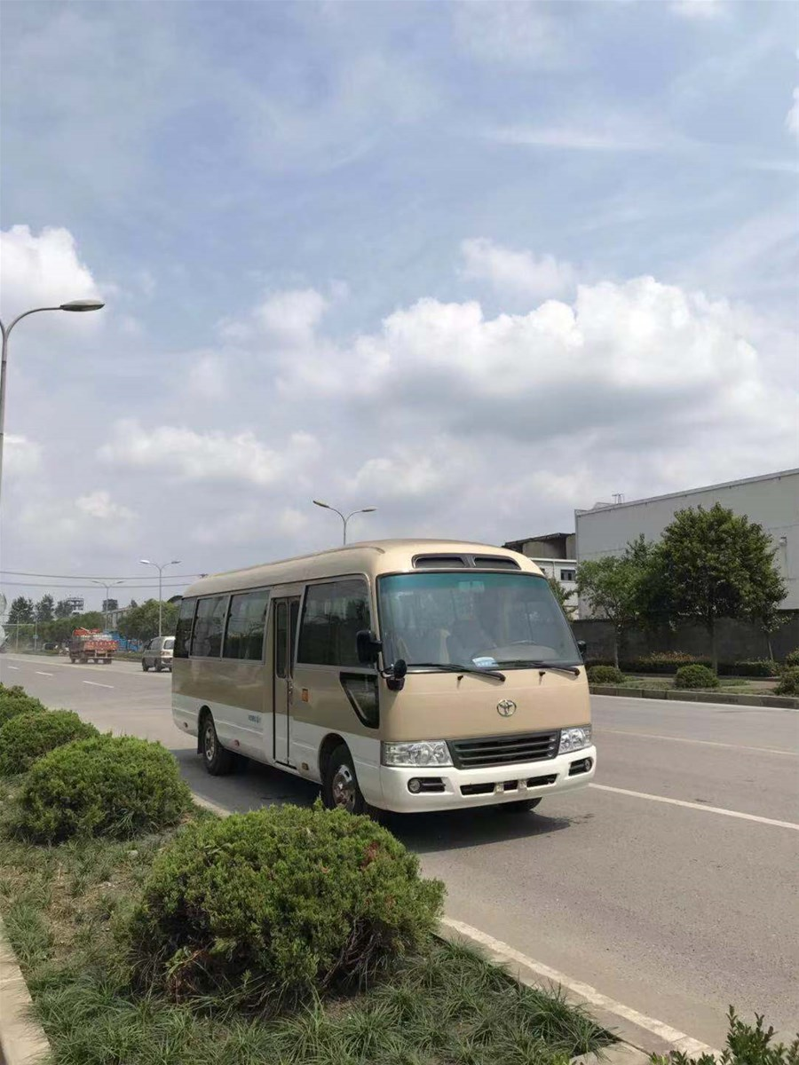 used second hand manual toyota coaster made in Japan with diesel enigne