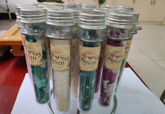 Top quality Wholesale Bath confetti tube package gift set for valentines daymothers day
