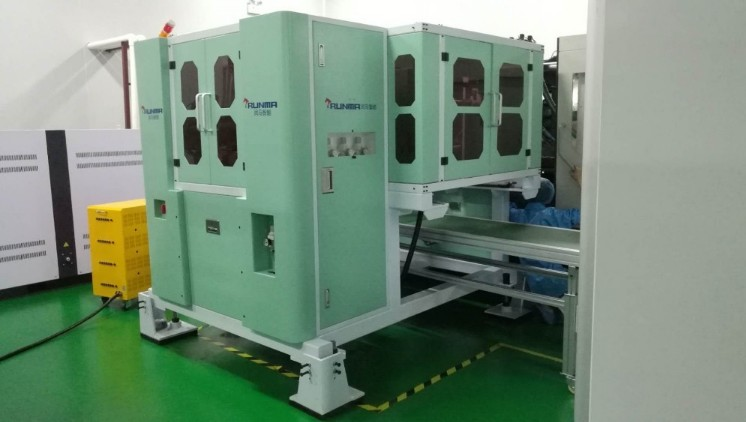 China customized high speed Side Entry IML robot system is applied for injection molding machine