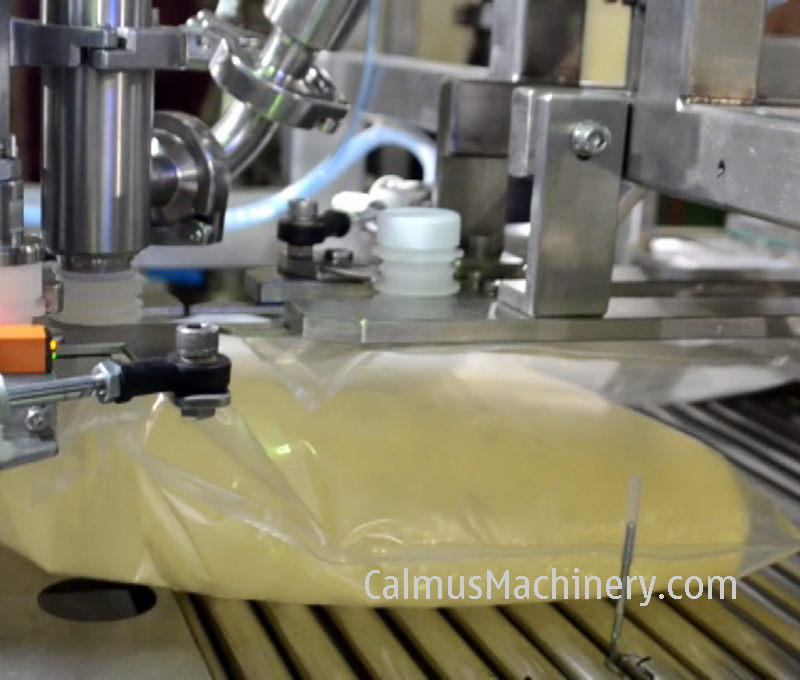 Bag Filling of Fully-automatic BIB Bag Filler Bag in Box Filling Machine