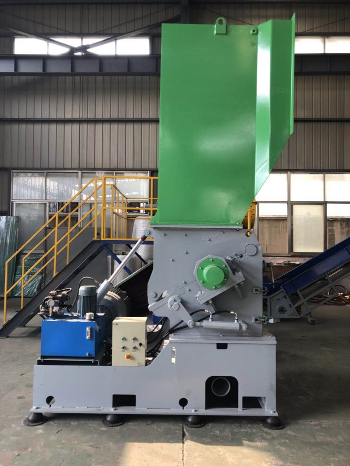 waste plastic LDPE film PP big bags PET bottles crusher grinder shredder recycling washing granulator pelletizer
