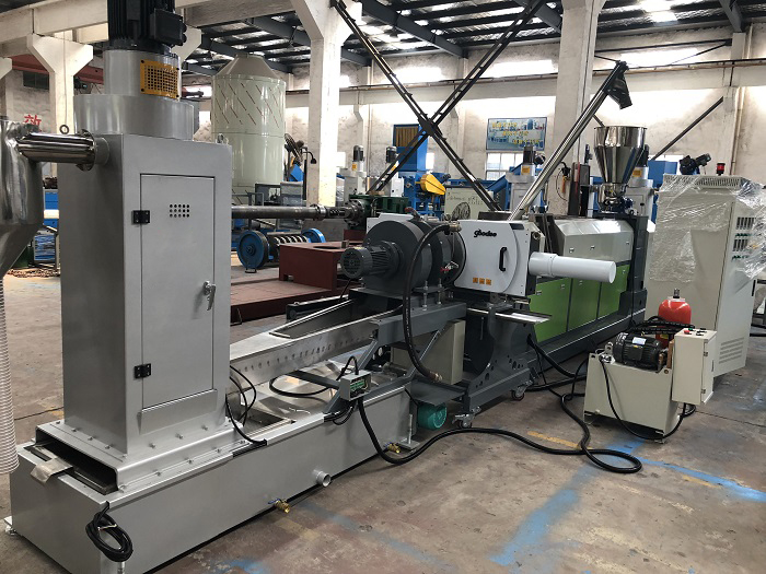 Waste Plastic PE film PP bags EPS foam PET flakes twin screw recycling granulator pelletizing extruder machine