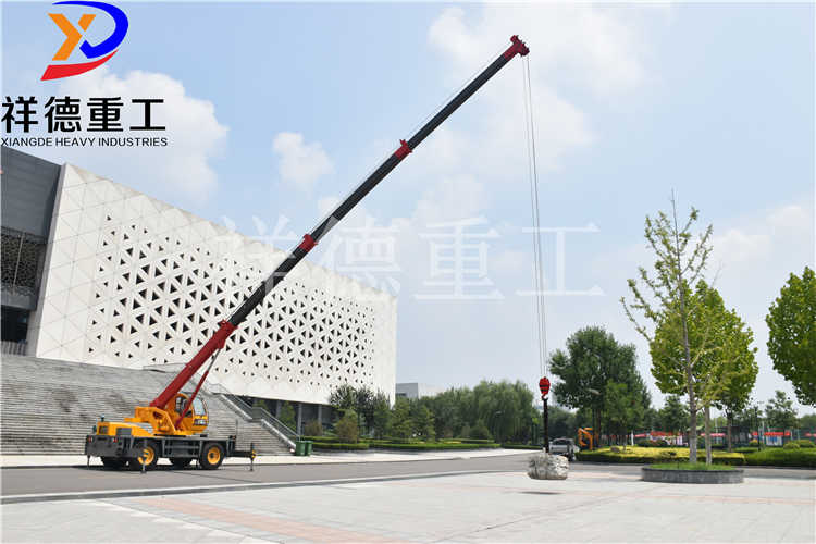 Sell 12t walking crane four wheel drive crosscountry manufacturers for direct supply Crosscountry tyre crane