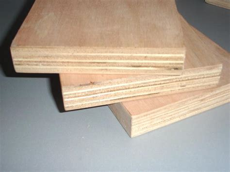 quality factory directly E0 furniture grade 18mm film faced waterproof plywood