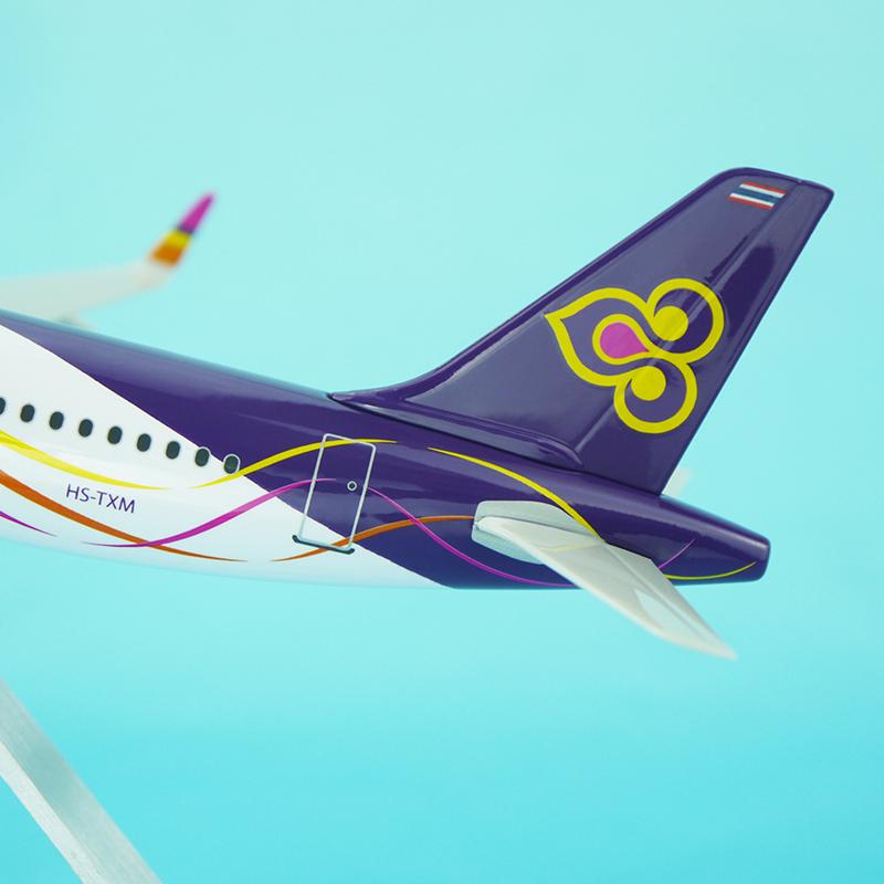 Thaismile A320neo 25cm Resin Plane Model