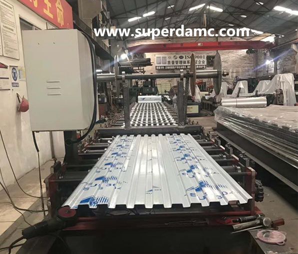 Steel door roll forming machine for stainless steel rolling shutter door panel