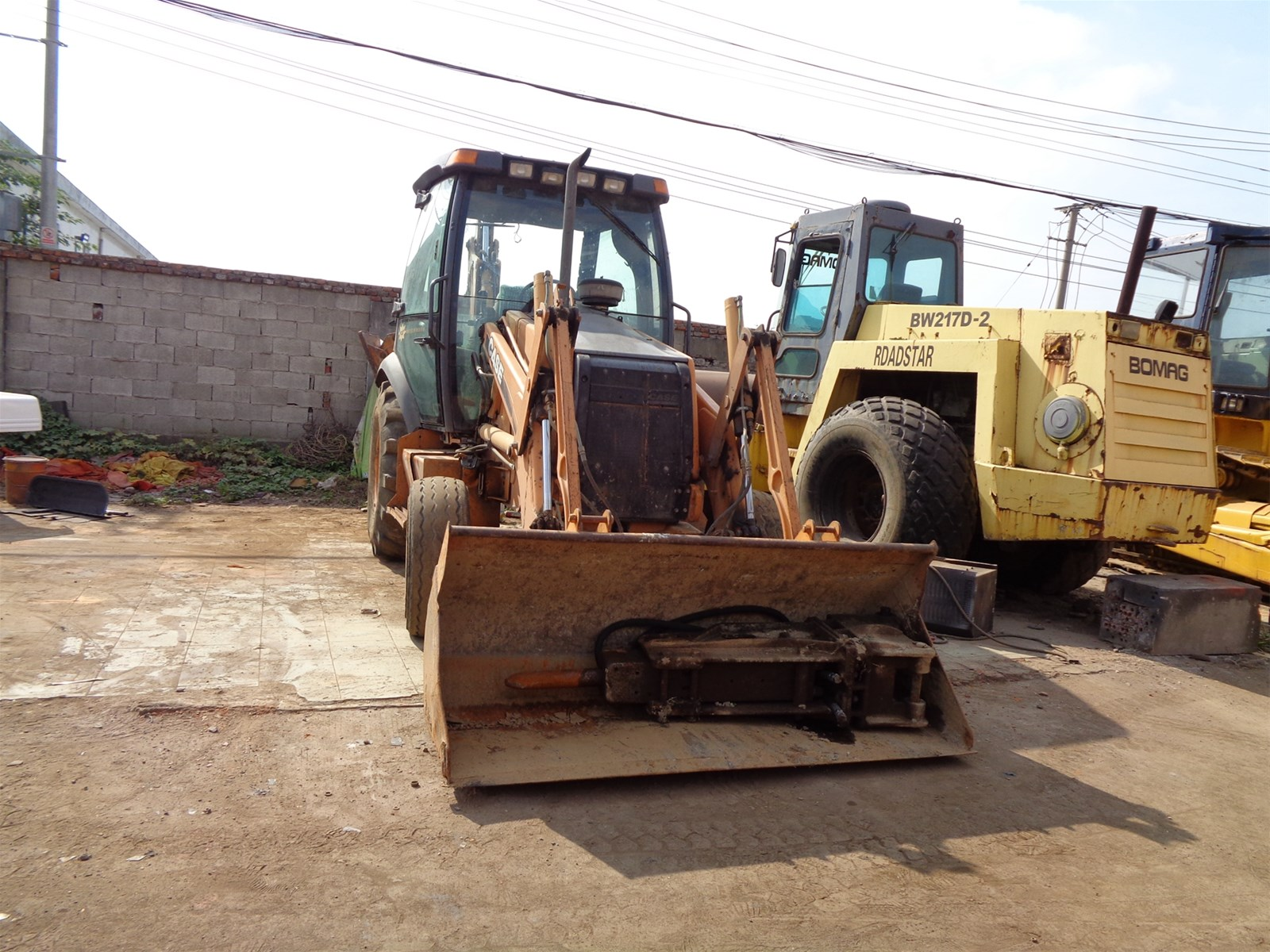 Used case 580M backhoe loader for sale and case 580M construction backhoe loader for tractors