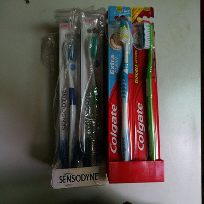 oem and wholesale colgate toothbrush