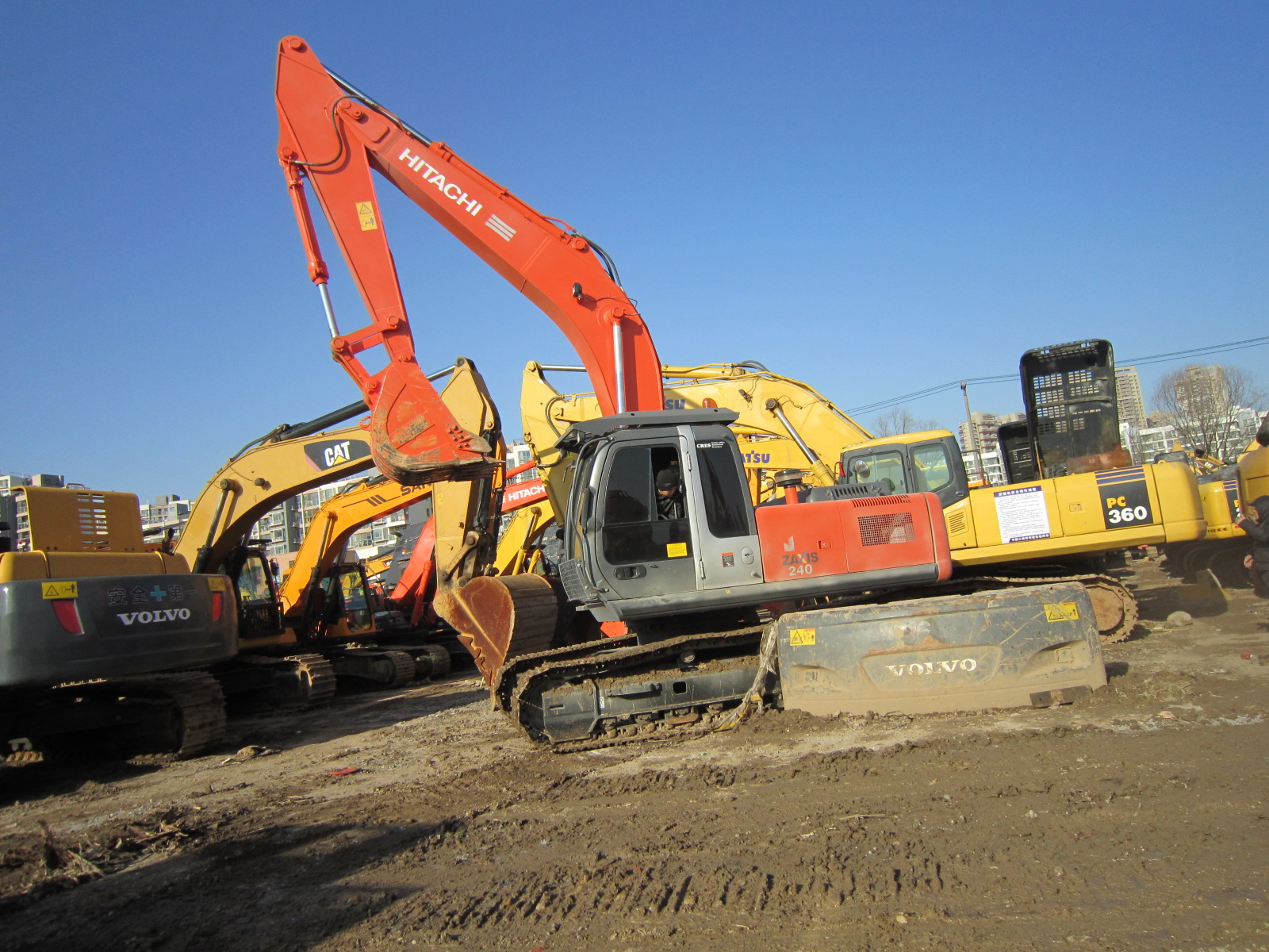 Used ZX240 24Ton japan made hitachi ZAXIS 240 ZX220 ZX200 used excavator for sale Hitachi