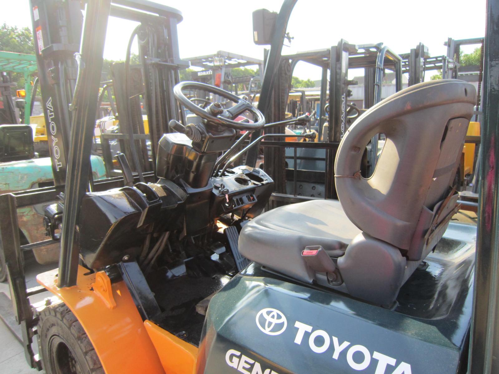 Used Toyota Forklift 3ton Diesel Manual Forklift Truck CPC30 FD30 Mechanical Transmission