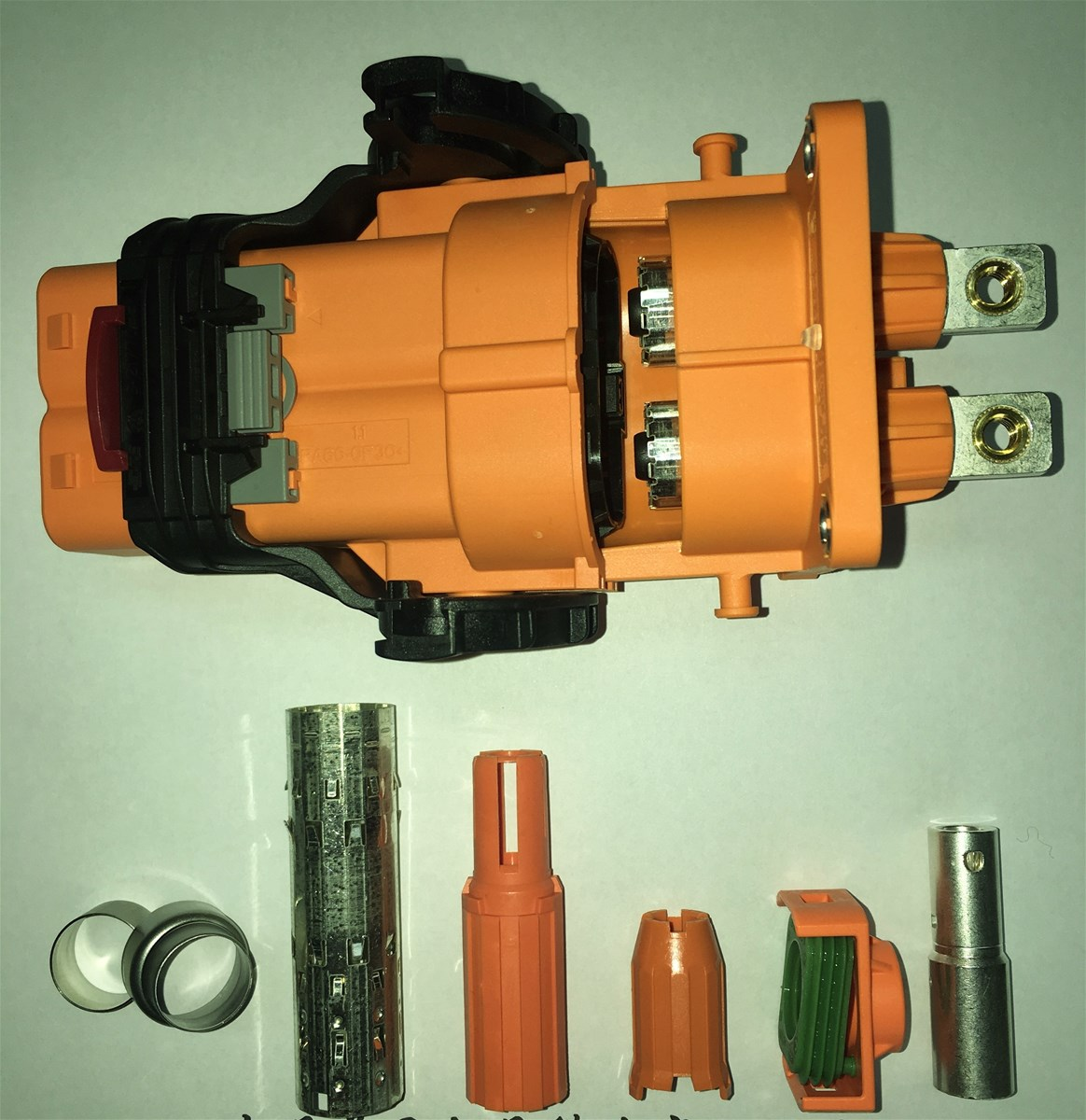 Connector for for cars trucks buses and SUV