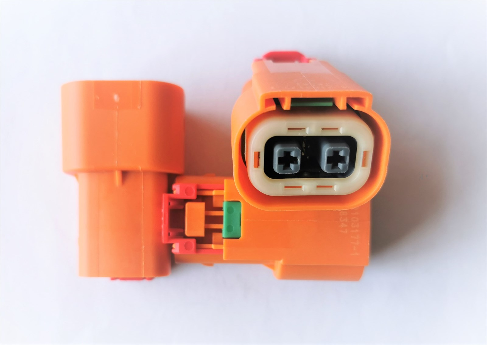 Connector for automobilebattery pack