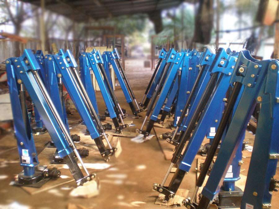 Custom steel tube metal fabrication