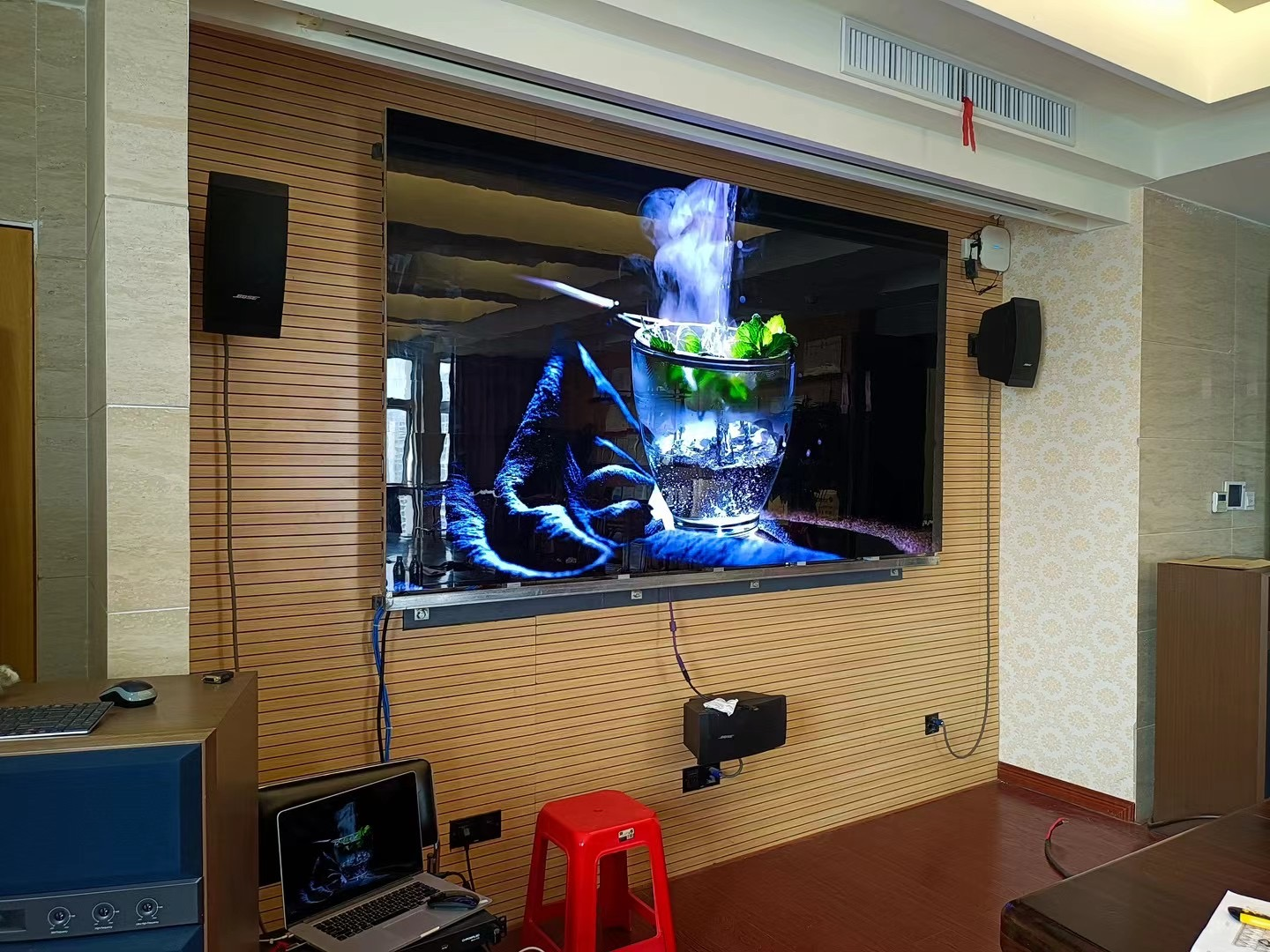 Indoor LED Video Displays Full Color SMD displayUltrahigh definition UHD LED displaysVideo Wall Screen